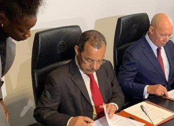 Assinatura do acordo da Passagem de Pastas