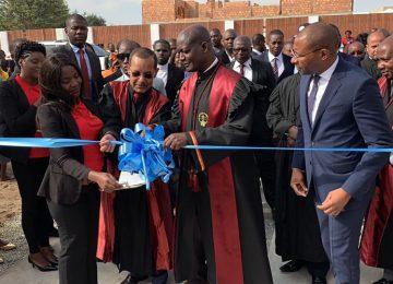 Dr. Rui Ferreira, Presidente do Tribunal Supremo inaugura o Tribunal da Comarca de Tombwa